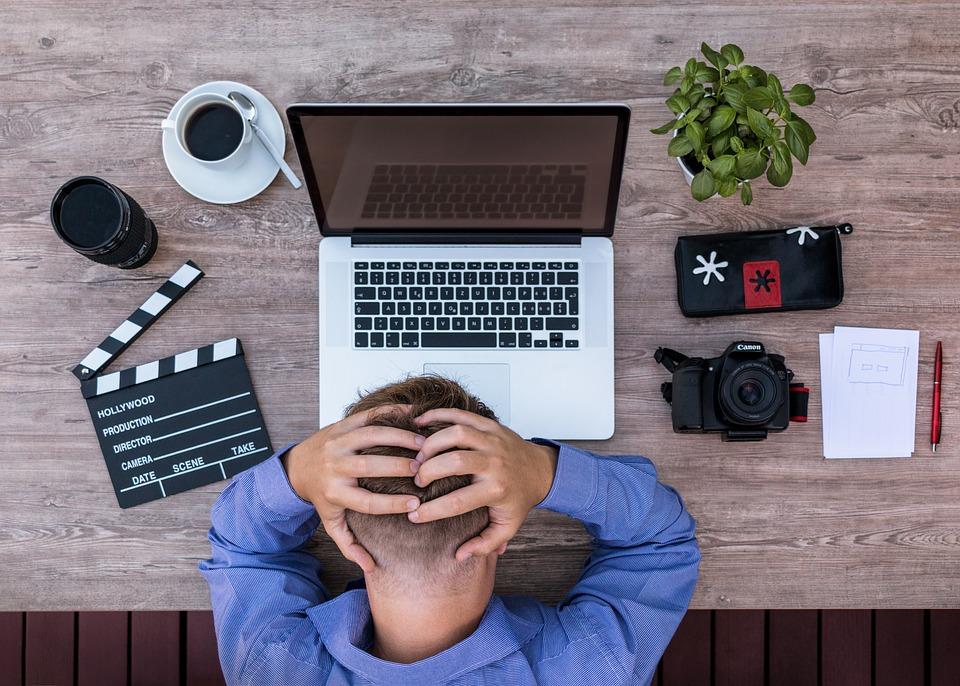 東芝の粉飾決算と巨額損失問題をわかりやすく解説|経営悪化した原因とは?