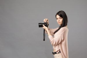 なぜ、オリンパスはカメラ事業から撤退したのか?|事業の歴史や赤字の原因、今後の投資分野をわかりやすく解説